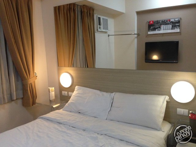 Hotel Review: Red Planet Makati
